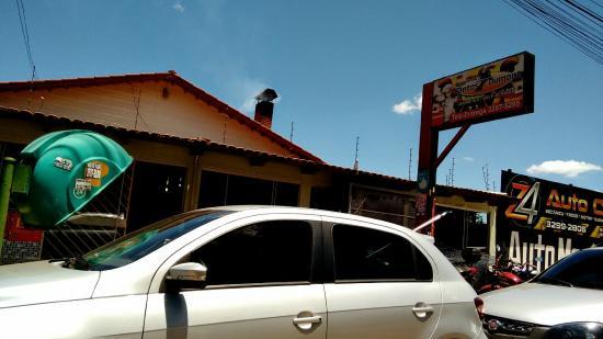 Fachada picture of restaurante santos dumont goiania for Domont restaurant