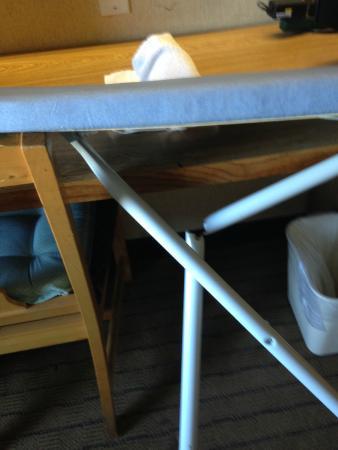 Sleep Inn: Broken Ironing Board