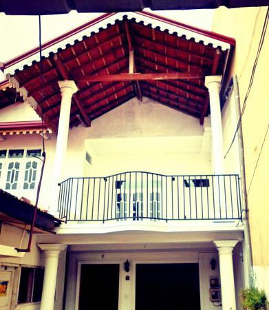 Colombo Airport Luxury Hostel @ Negombo Beach