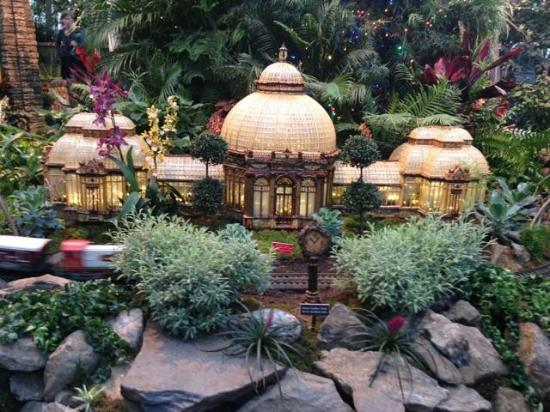 Train show 2 picture of new york botanical garden bronx tripadvisor for Bronx botanical garden free admission