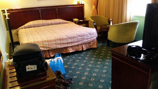 Rama Hotel: large bed