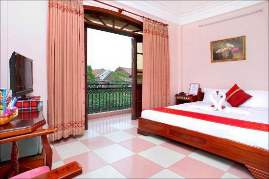 Hoa My Hotel: Double room with balcony at Hoa My 1 hotel