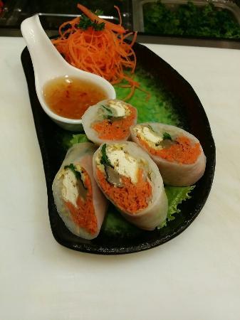 how to make thai salad rolls