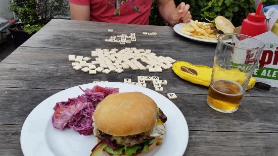 Smash Palace: beers, burgers and bananagram