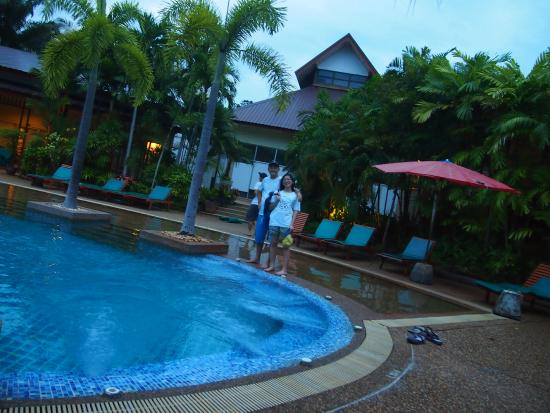 Timber House Resort : Pool area