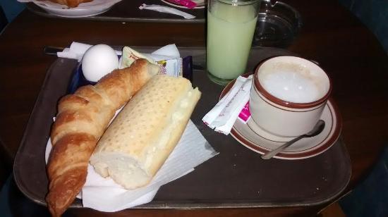 Residence Boujaafar: Café da manhã