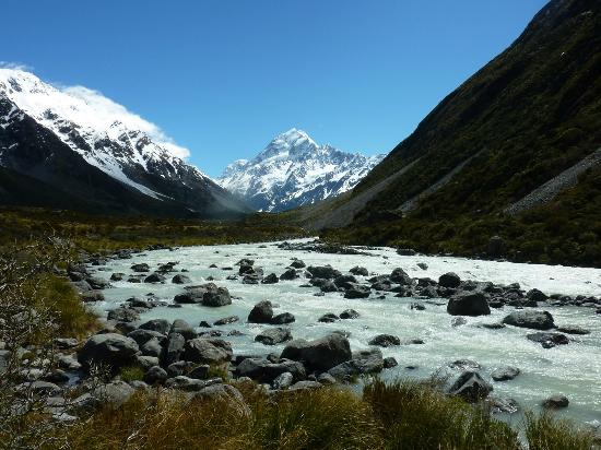 YHA Aoraki Mt Cook: Glorious - Mt Cook behind an icy glacial stream