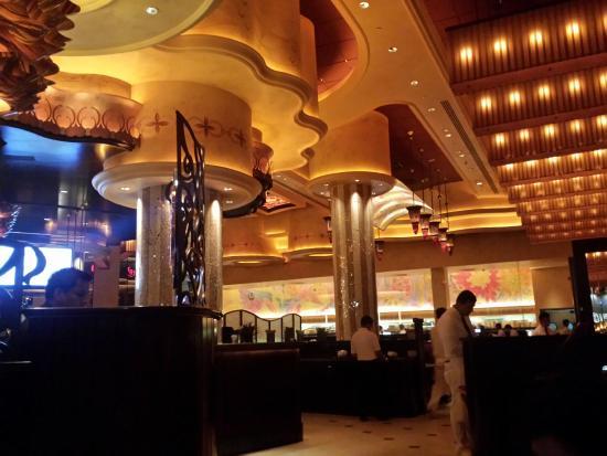The Cheesecake Factory - Jeddah: Grandeur Interiors