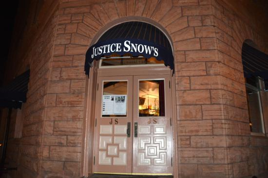 Justice Snow's Restaurant and Bar: Restaurant Entrance.