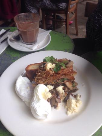 Lily's Pad: Sauted mushrooms, poached egg on toast!