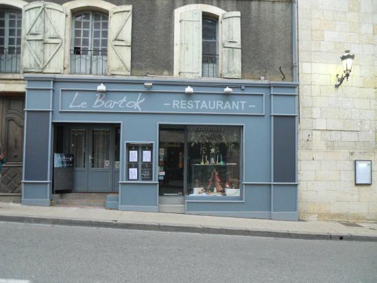 Le Bartok : Belle façade, chic.