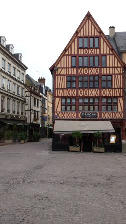 le cancan place du vieux march rouen picture of cancan rouen tripadvisor. Black Bedroom Furniture Sets. Home Design Ideas