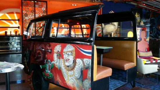 Car bar picture of siam siam design hotel pattaya for Design hotel pattaya
