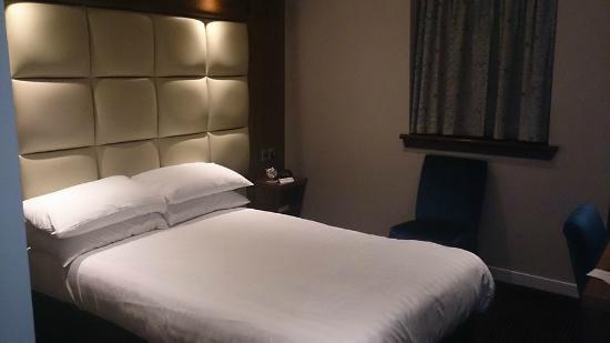 Best Western Glasgow Livingston Hilcroft Hotel : Bedroom