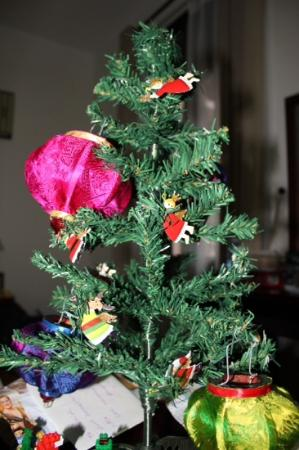 Lifestart Foundation Workshop: we used our lanterns to decorate our christmas tree