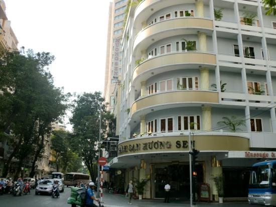 Huong Sen Hotel: 外観