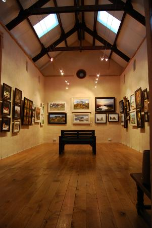 Acharacle, UK: Interior of main gallery