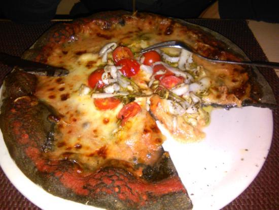 I Gerani: pizza nero di seppia