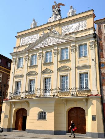 The Dzialynski Palace