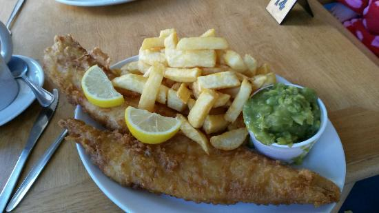 C Fresh Fish and Chips: Moby Dick yummyness!