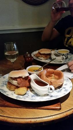 Restaurant at The Swan Tarporley: Lovely Sunday lunch soup and Sandwich