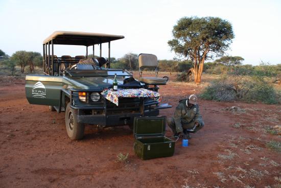 Etali Safari Lodge : parada durante safari