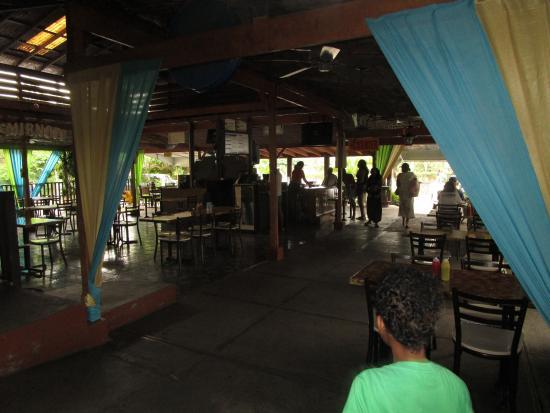 Ocho Rios Village Jerk Center : Inside view