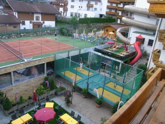 Hotel Alpenhof: Innenhof