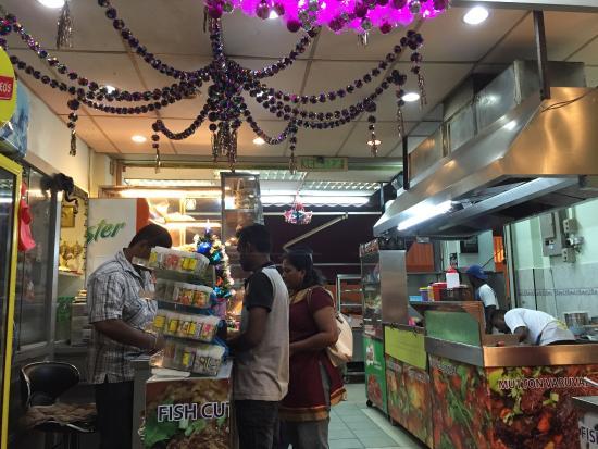 restoran saravanna : Inside Saravanna restaurant