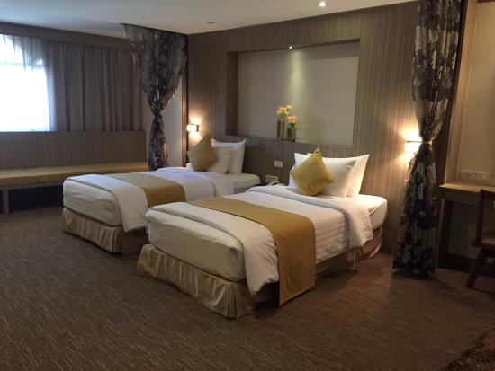 Bossotel Bangkok: Our room