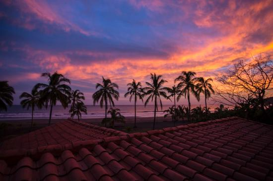 Hotel Playa Cambutal : Sunset from  your Balcony