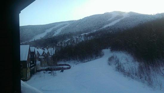 Jordan Hotel and Conference Center: View from our room.  Definitely ski-in/ski-out.
