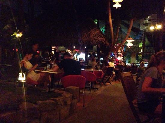 Joe's Cafe: Atmosphere