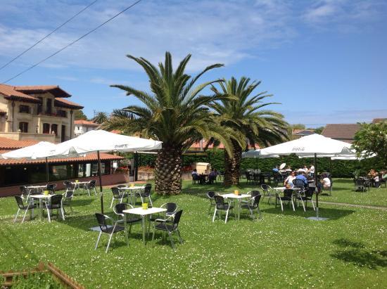 Jardin picture of la candelita restaurante terraza for Restaurante jardin