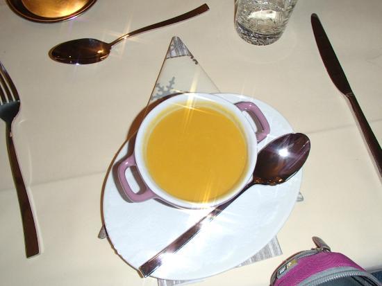 Hotel Valaisia: Soep kokosnoot en groente