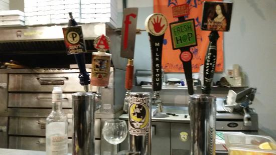 Carelli's: Beers on tap