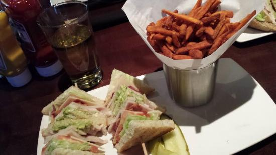 Yard House - Town Square : Half Sandwich and Sweet Potato Fries