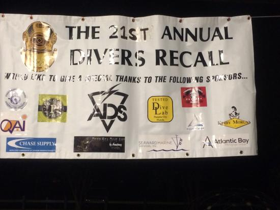 Holiday Trav-L-Park : The banner for Divers Recall.