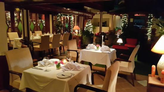 Cafe des Amis : Outside Dining tables Xmas 2014
