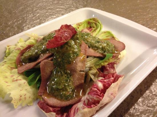 Macelleria Ristorante: insalata tiepida di puntarelle e lingua in salsa verde