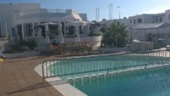 Apartamentos THe Oasis: Poolområdet på Oasis