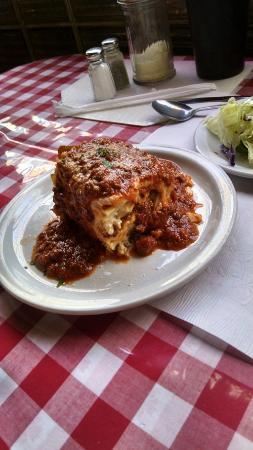 Reinero's - Italian Restaurant