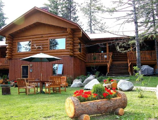 Beaver Guest Ranch : the beautiful Log Home