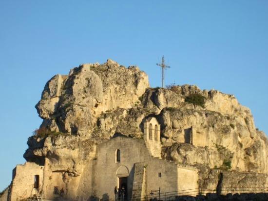 Church of Santa Maria de Idris : Ingresso Santa Mara de Idris