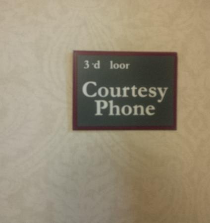 Country Inn & Suites By Carlson, Crystal Lake: missing something