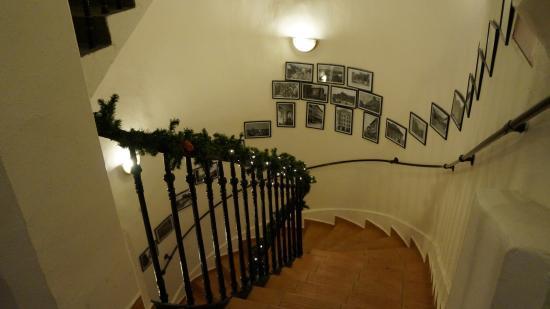 Csaszar Hotel: Stairs