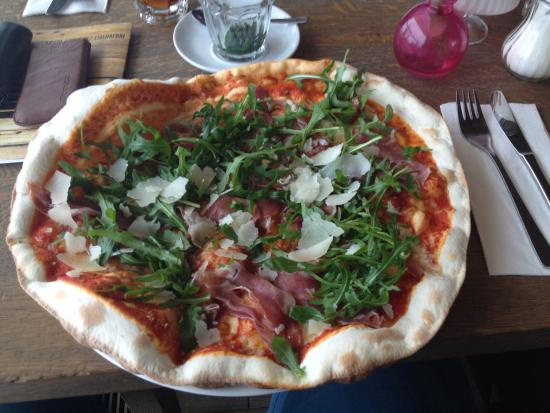 Dach-Cafe: Pizza Rucola