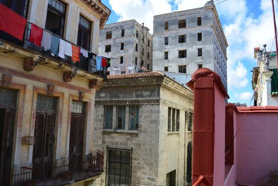 Ausblick von der dachterrasse picture of casa de lourdes y maykel havana tripadvisor - Casa de lourdes ...