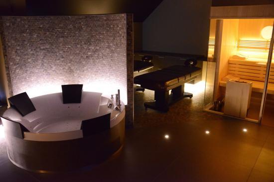 piscine le soir photo de centre de bien tre octavie tournai tripadvisor. Black Bedroom Furniture Sets. Home Design Ideas