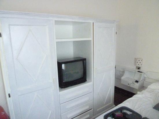 Hotel Tre Botti: Television antigua.